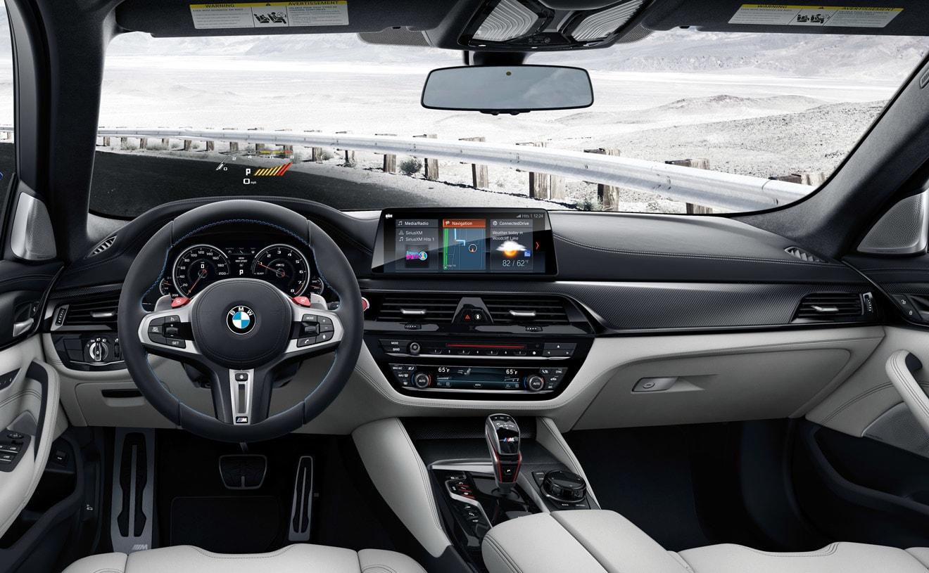 Interior of the 2018 BMW M5